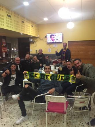 Campions!!!! Alguns membres del primer equip celebrant el títol de lliga